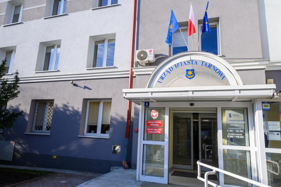 Miasto Tarnów. OGRANICZENIE BEZPOŚREDNIEJ OBSŁUGI INTERESANTÓW W URZĘDZIE MIASTA TARNOWA