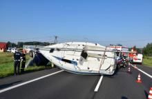 Tragiczny weekend na drogach powiatu - śmierć, dachowania i łódź na drodze