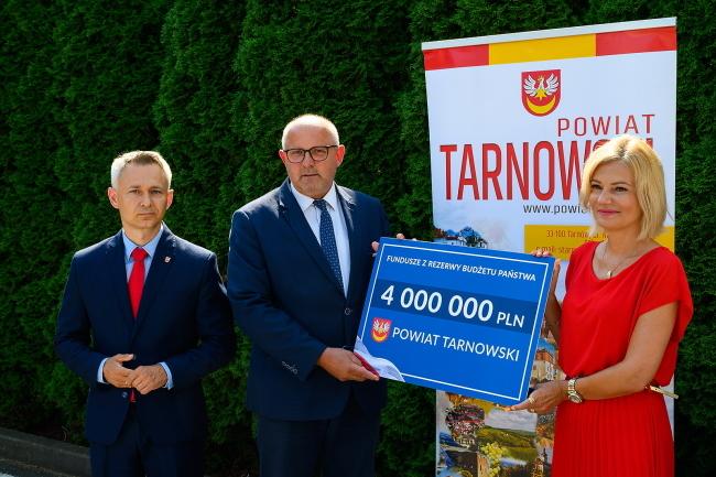Premier dofinansował remont mostu w Ostrowie