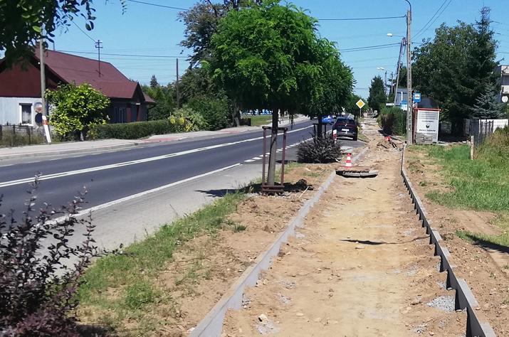 Gmina Tarnów. Nowe budynki, drogi i chodniki – letnie inwestycje w gminie Tarnów trwają