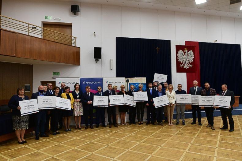 Wsparcie samorządu województwa dla placówek medycznych w regionie tarnowskim i sądeckim