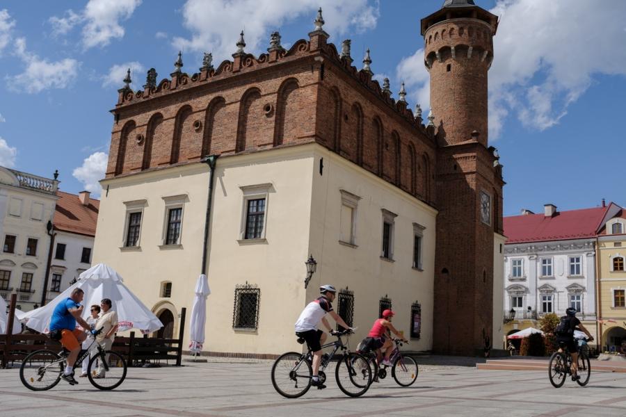 Miasto Tarnów. PRZEZ TARNÓW NA SIODEŁKU