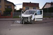 Pijany kierowca peugeota zniszczył ogrodzenia dwóch posesji i próbował uciec z miejsca …rowerem. Dzięki świadkom został zatrzymany