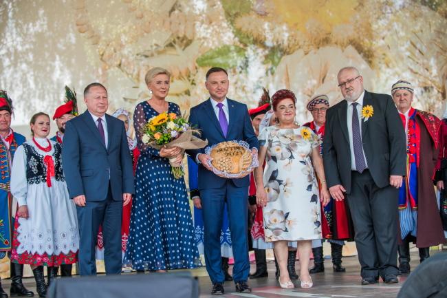 Powiat tarnowski. Para prezydencka na dożynkach w Zbylitowskiej Górze