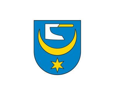 Gmina Żabno. Miał chronić przed epidemią cholery. 5,5-metrowy krzyż z drewna autorstwa Henryka Korusa, ponownie stanął w Żabnie