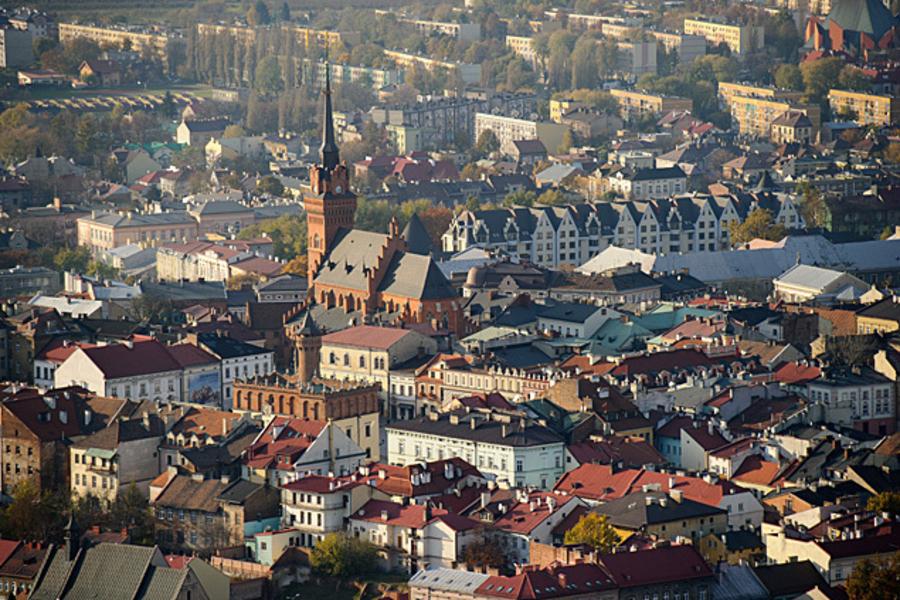 """Miasto Tarnów. PROGRAM """"MIESZKANIE ZA REMONT"""" NA PÓŁMETKU"""