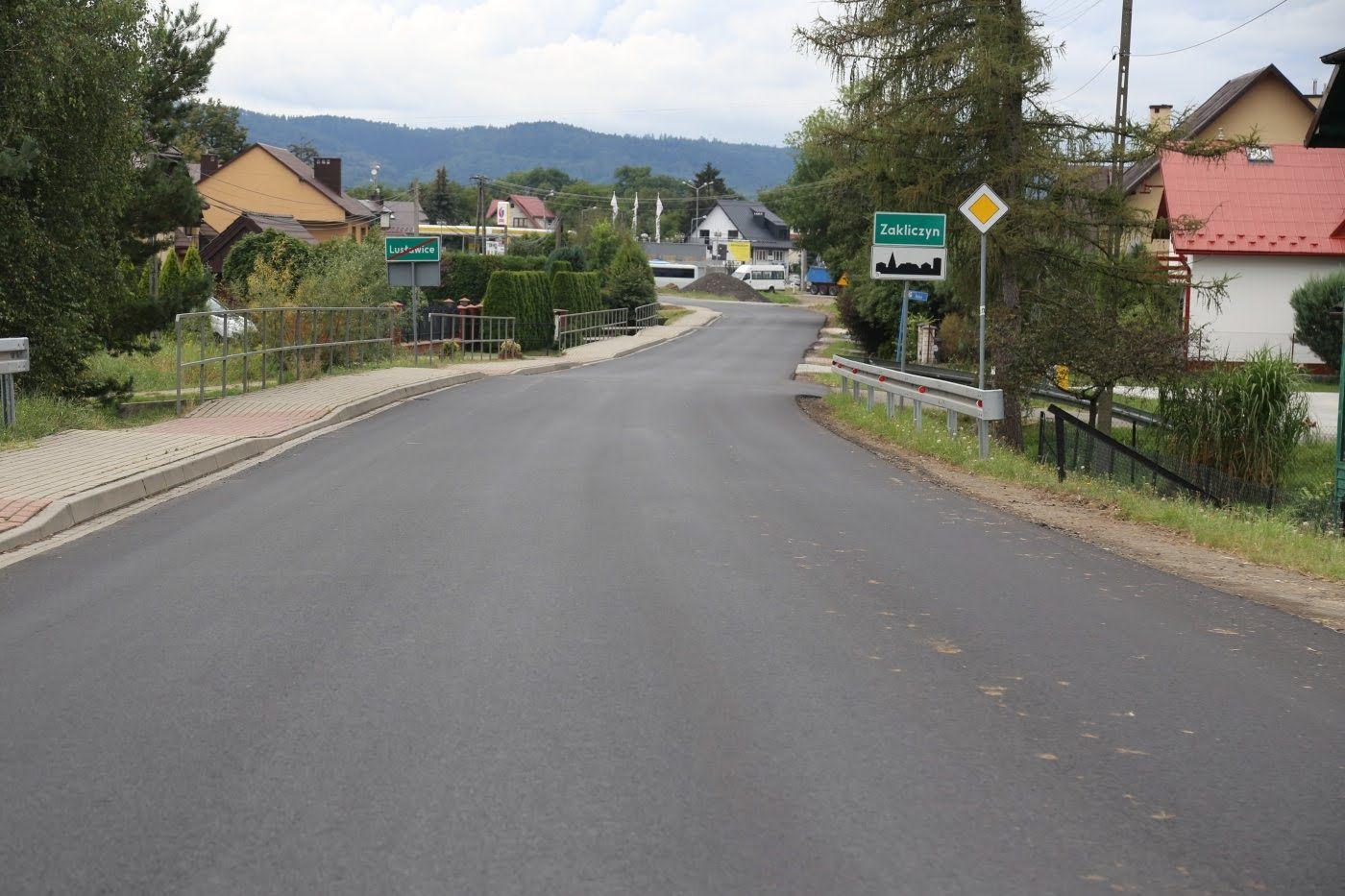 Gmina Zakliczyn. Przeszło 18 kilometrów nowej nakładki asfaltowej na terenie gmin Pleśna i Zakliczyn